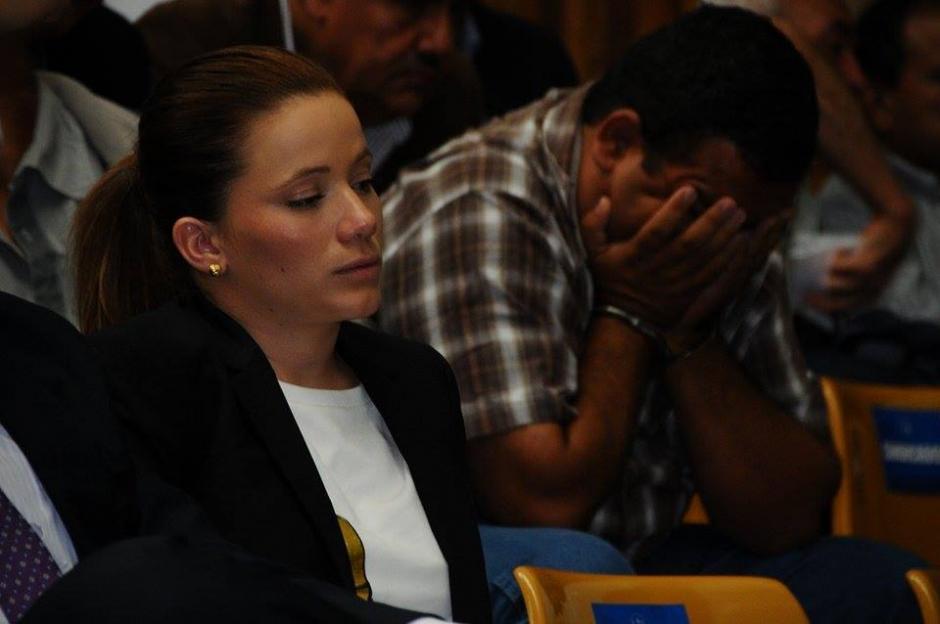 La exasistente de Roxana Baldetti ya se encuentra en la Sala de Vistas de la CSJ. (Foto: Alejandro Balán/Soy502)