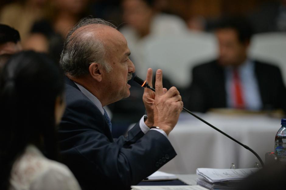 El auditor de Otto Pérez y Roxana Baldetti, Mario Rodolfo Contreras Díaz declaró ante el juez en el caso Cooptación del Estado. (Foto: Wilder López/Soy502)
