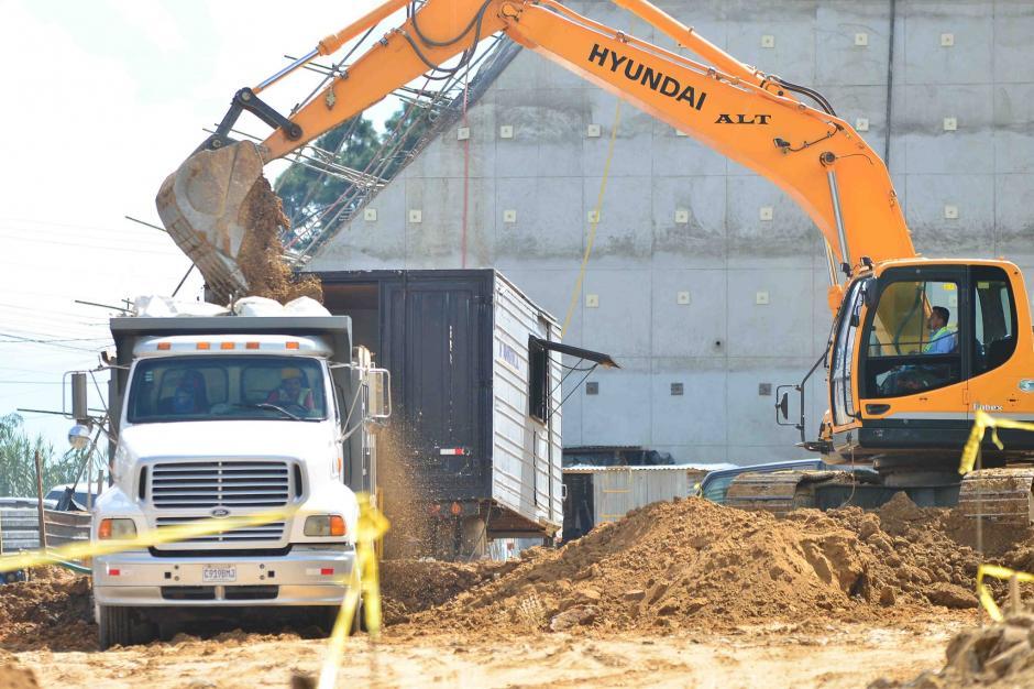 El actual Secretario Ejecutivo de la Conred considera que deben construirse muros para evitar nuevos deslizamientos. (Foto: Jesús Alfonso/Soy502)