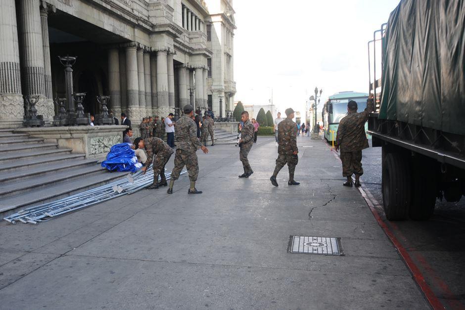 Las actividades para el personal del Palacio se cancelaron desde el medio día. (Foto: Alejandro Balán/Soy502)