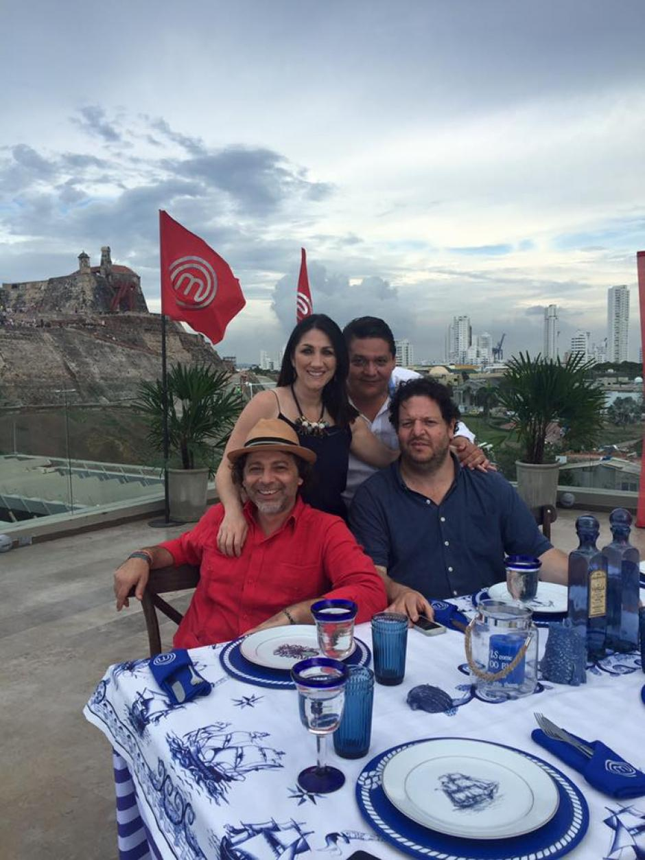 Moliviatis compartió con los chefs del jurado: Jorge Rausch, Nicolás de Zubiría y Paco Roncero. (Foto: Mirciny Moliviatis/Facebook)