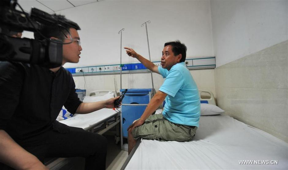 Varios heridos fueron trasladados al hospital mientras contaban lo sucedido. (Foto: Xinhua/Long Hongtao)