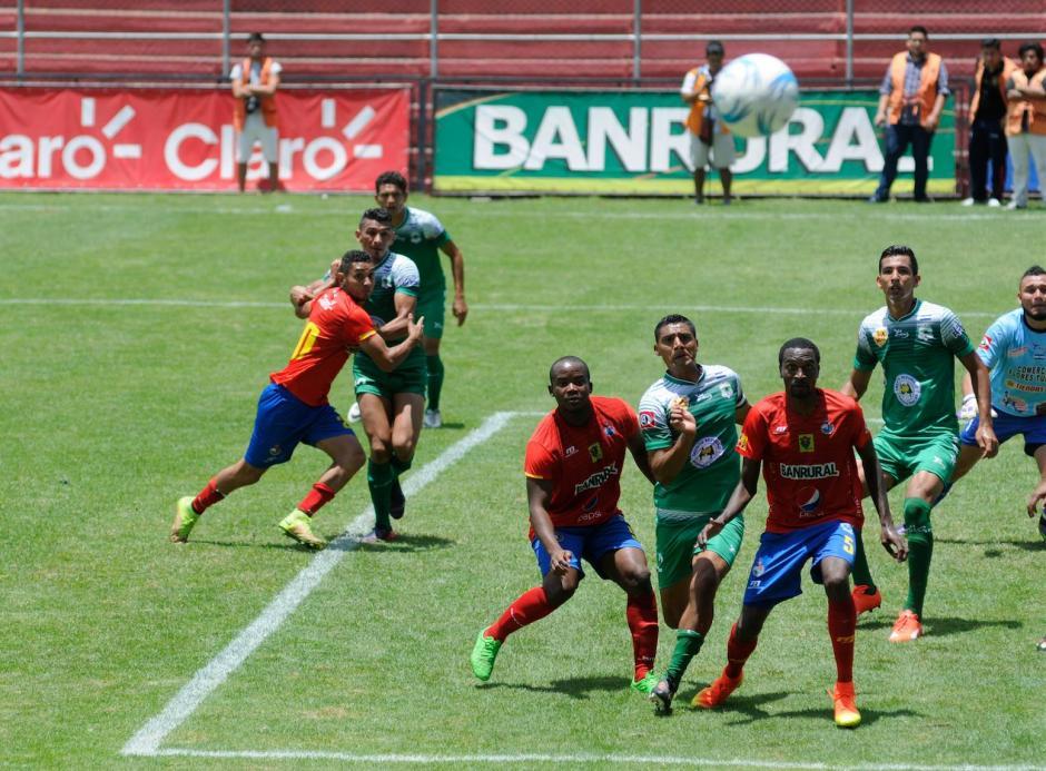 Municipal se adelantó, aunque los salvadoreños lograron empatar. (Foto: Pedro Pablo Mijangos/Soy502)