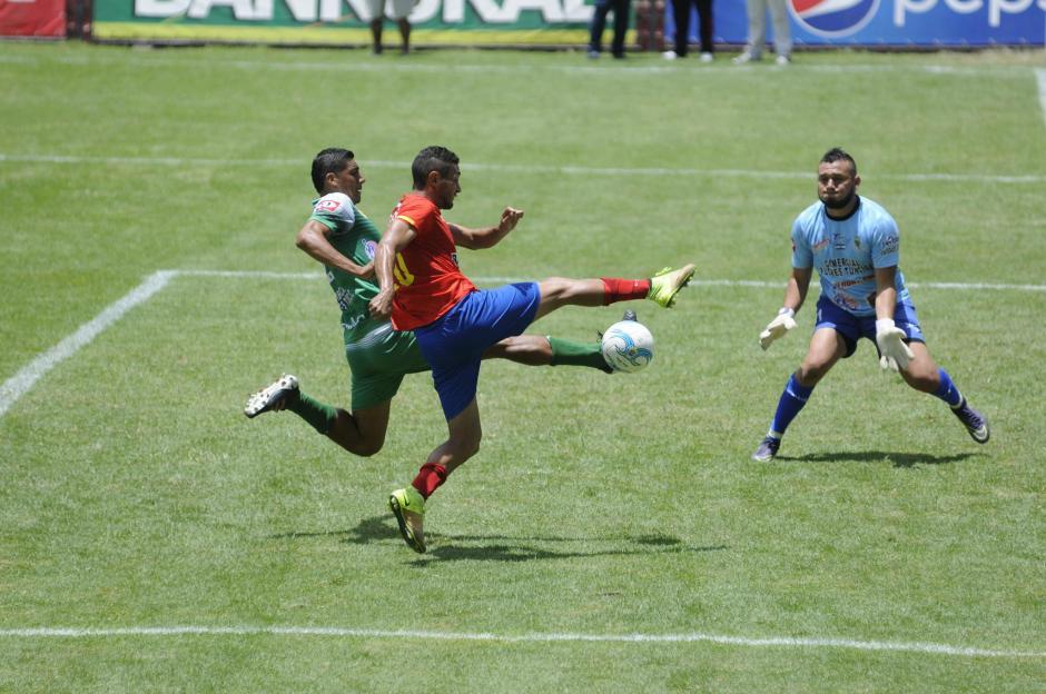 Municipal jugó su partido de presentación ante el campeón de El Salvador. (Foto: Pedro Pablo Mijangos/Soy502)