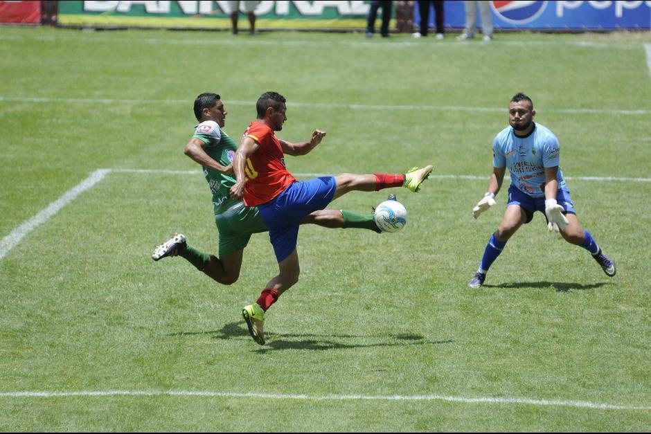 Los goles de Edy Danilo son de toda clase y para todos los gustos.  (Foto: Soy502)