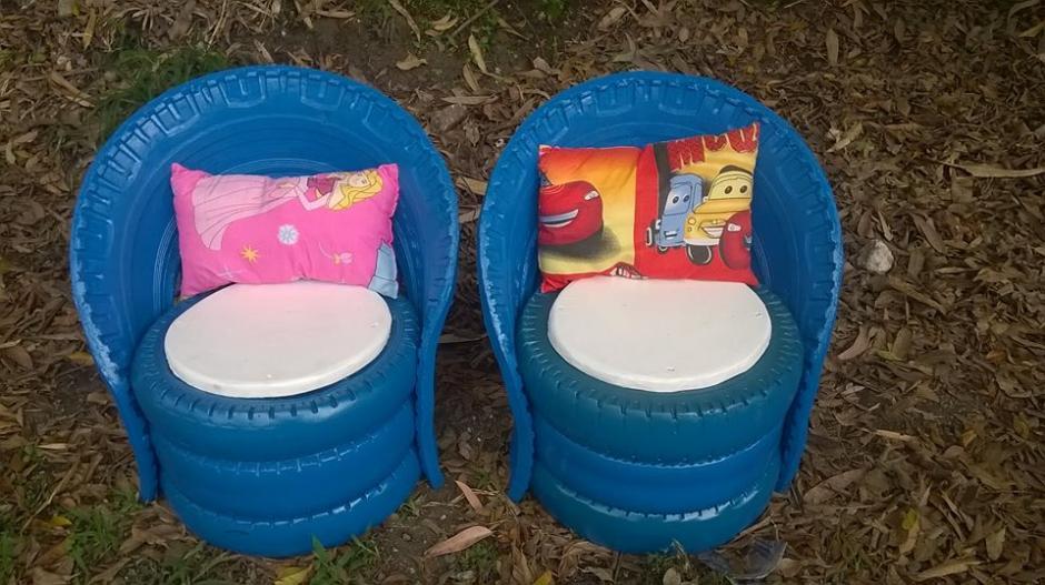 Guarcas también hace productos bajo pedido como estos sillones para niños. (Foto: César Gaurcas)