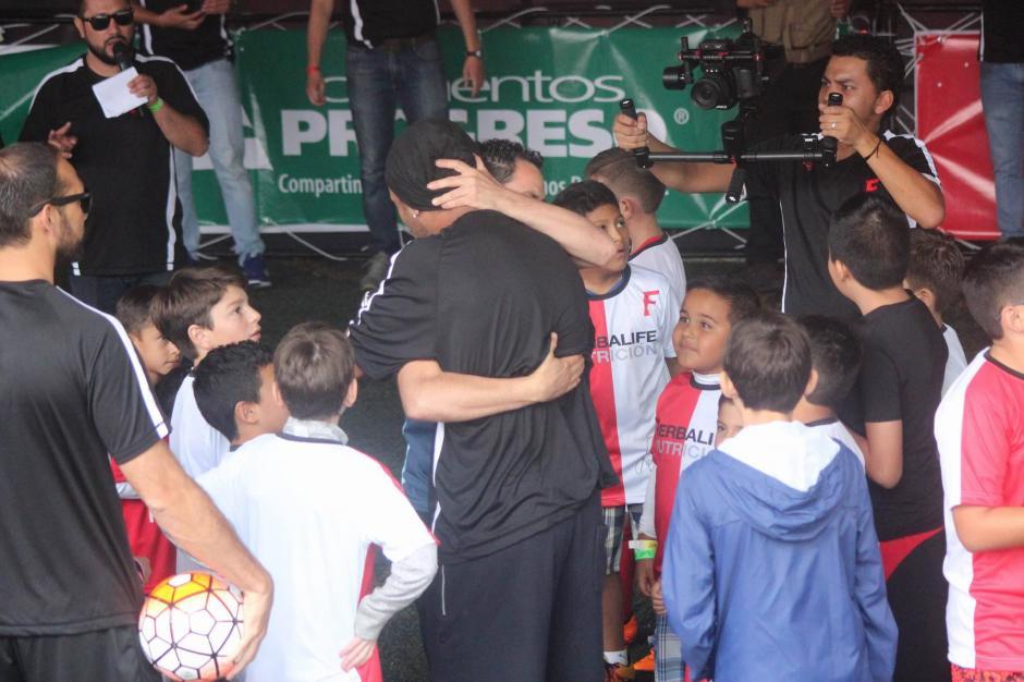 Dinho ha sido un verdadero caballero desde su llegada.  (Foto: Alejandro Balán/Soy502)