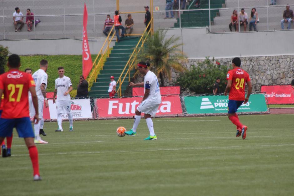 El brasileño hizo magia con la pelota. (Foto: Alejandro Balán/Soy502)