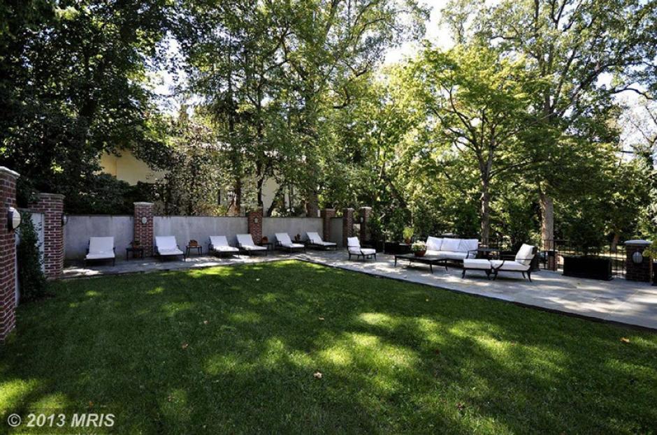 Uno de los jardines de la nueva casa de los Obama. (Foto: Twitter)