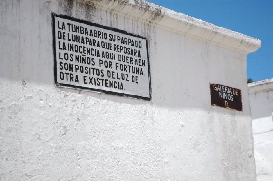 Podrás además, saber la historia de algunos mausoleos emblemáticos. (Foto: Fredy Hernández/Soy502)