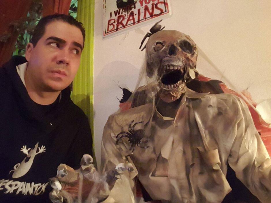 Gilberto Soto cuenta que en el edificio de la Cruz Roja pudo observar un fantasma. (Foto: Guatespantos)