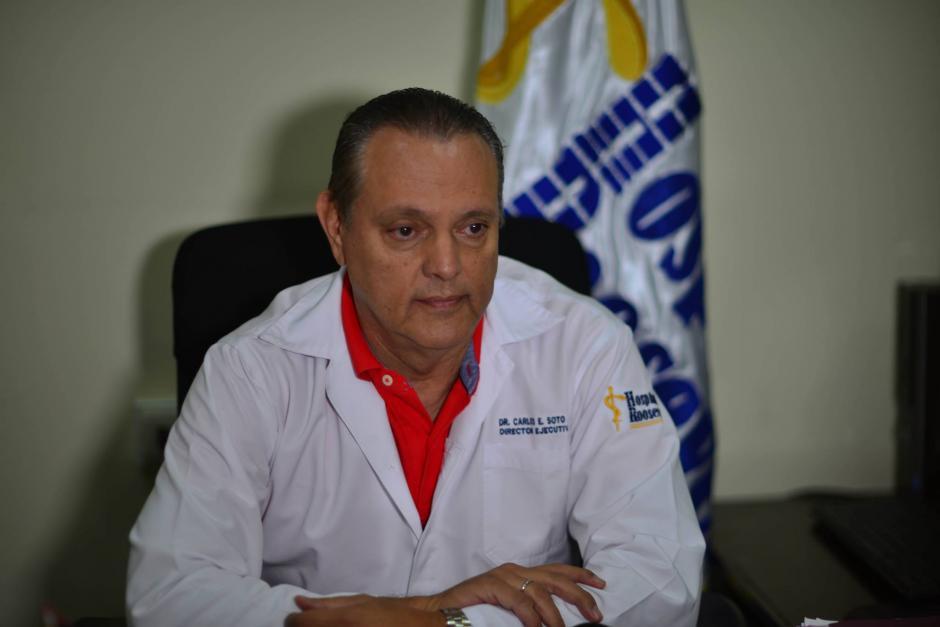El director del Hospital Roosevelt, Carlos Soto, presentó este viernes la solicitud de antejuicio. (Foto: Archivo/Soy502)