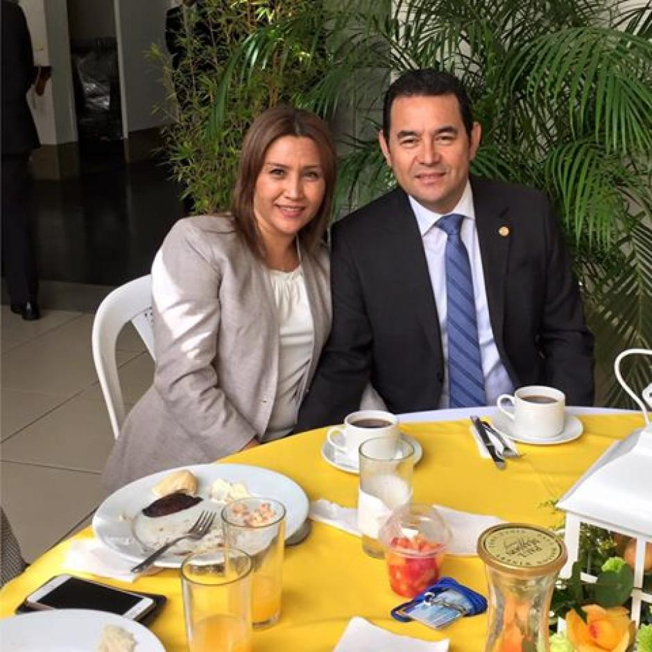 La primera dama celebró su cumpleaños con un desayuno junto a su esposo, el Presidente. (Foto: Facebook/Patricia Marroquin de Morales)