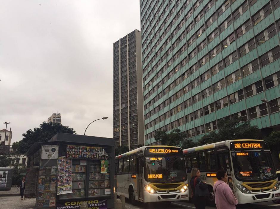 A las 4 de la tarde ya el cielo intentaba oscurecer en el centro de Río. (Foto: Pedro Pablo Mijangos/Soy502)