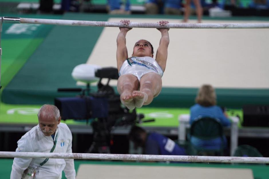 El técnico Adrián Boboc supervisó toda la práctica. (Foto: Comité Olímpico Guatemalteco)