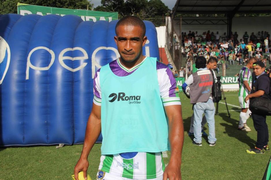 Fredy Thompson, excrema, empezó en la banca contra su antiguo equipo. (Foto: Fredy Hernández/Soy502)