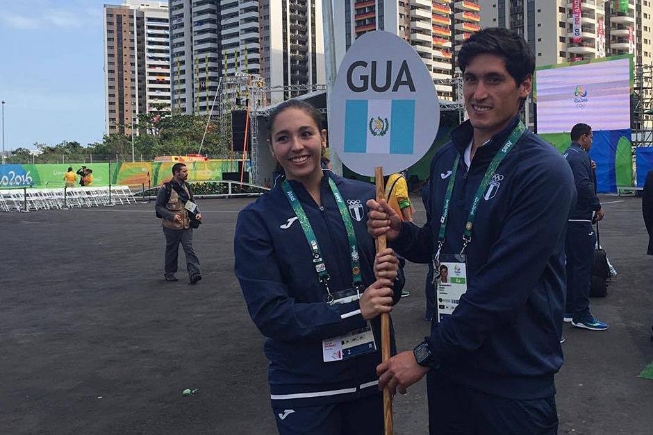 Valerie Gruest y Juan Ignacio Maegli durante la ceremonia. (Foto: Pedro Pablo Mijangos/Soy502)