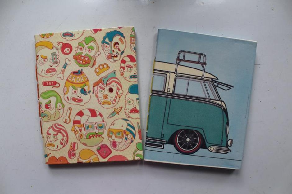 Cuadernos cocidos a mano esperan tus letras. (Foto: Ñati)