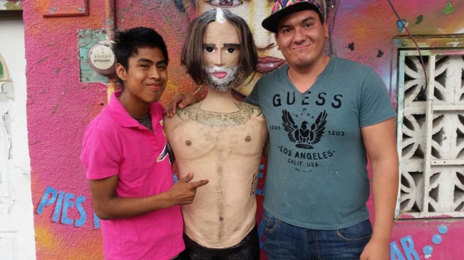 La piñatería Ramírez aprovechó el último incidente de Alejandro Fernández para convertirlo en una piñata. (Foto: Facebook Piñatería Ramírez)