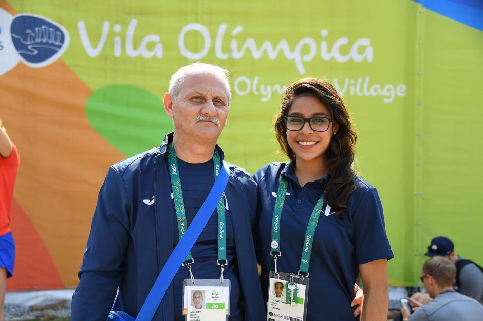 Ana Sofía con su entrenador en Río. (Foto: Aldo Martínez/Nuestro Diario)