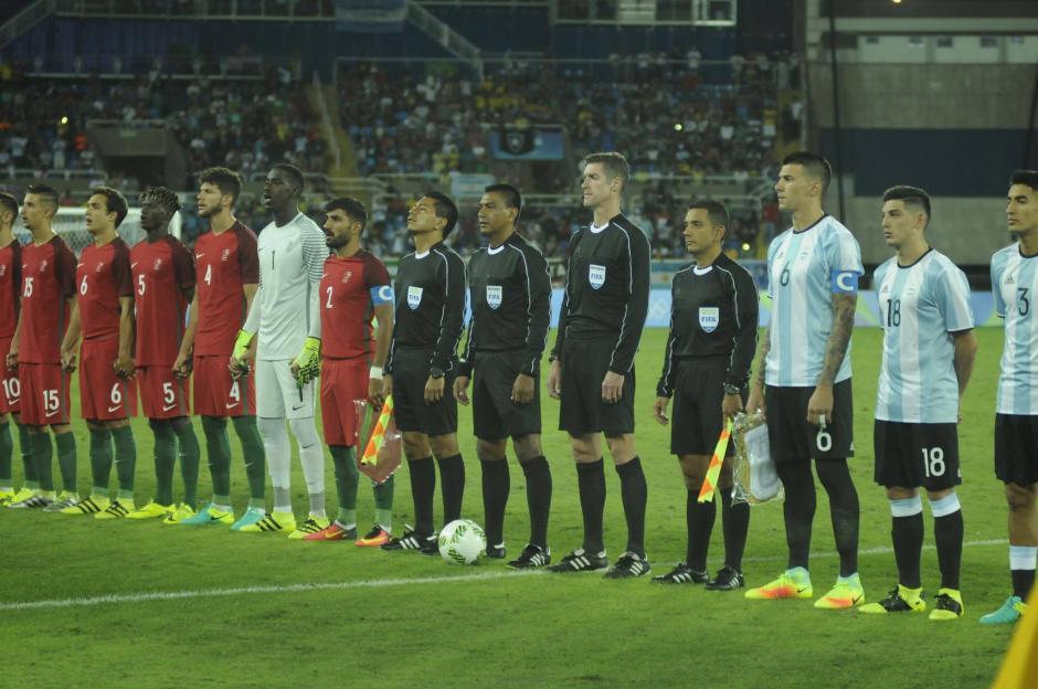 Los árbitros guatemaltecos Walter y Gerson López debutaron con éxito en Río 2016. (Foto: Aldo Martínez/Soy502)