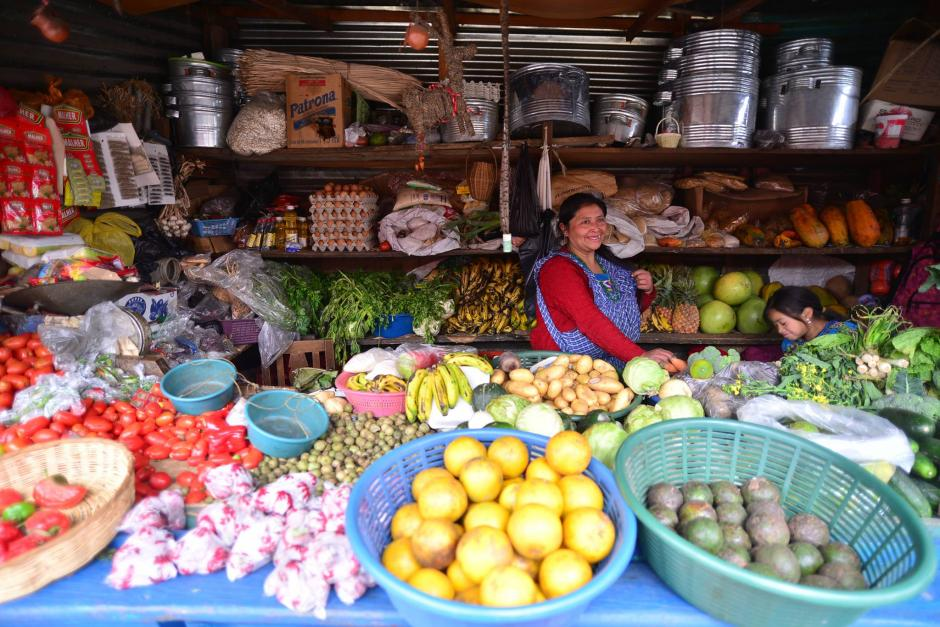 Morales confirmó que no se verán afectados los precios de la canasta básica. (Foto: Archivo/Soy502)