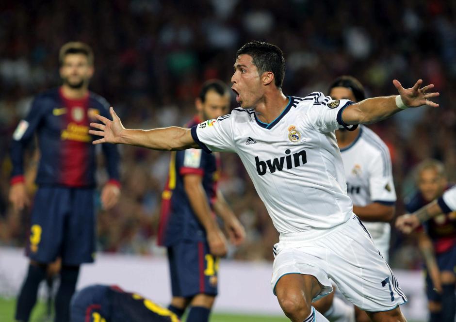 Ronaldo está por seis goles abajo (12) de Messi y Di Stéfano (18) en la tabla de goleadores en derbis. (EFE)