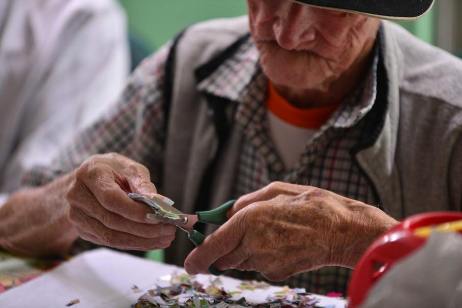 """""""Contrata a un abuelito"""" tiene el fin de generar una base de datos con personas de la tercera edad interesadas en trabajar. (Foto: Archivo/Soy502)"""