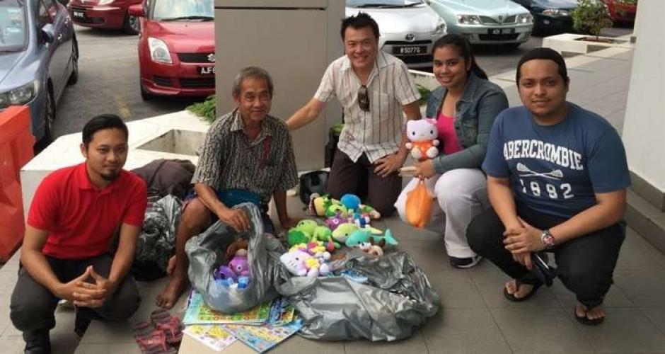 Fueron decenas de personas las que se juntaron para ayudarlo. (Foto: upsocl.com)