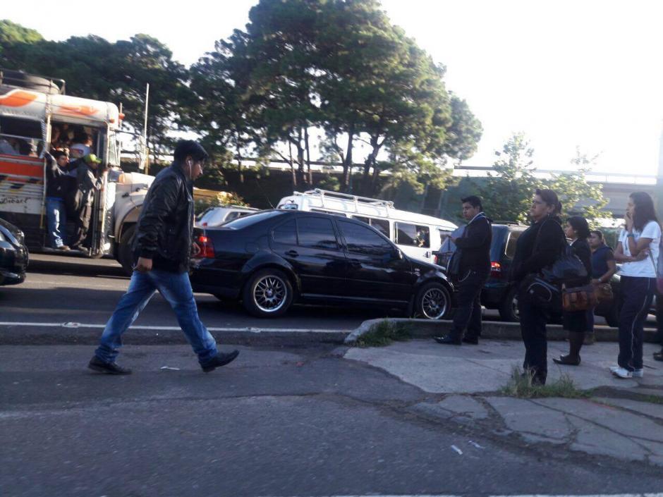La fila de vehículos llega al kilometro 27. (Foto: Fredy Hernández/Soy502)