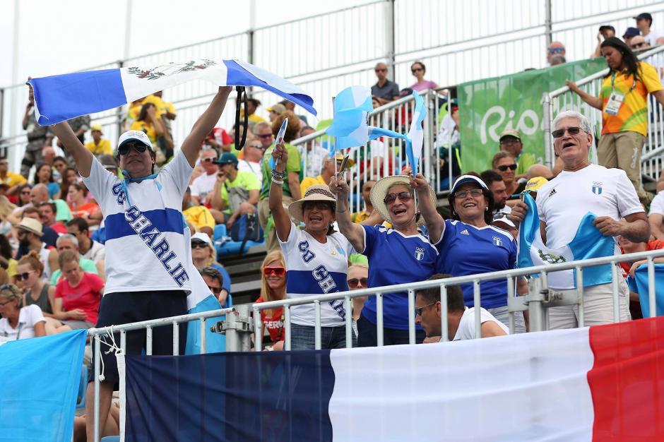 Fernández contó con apoyo desde el graderío. (Foto: Soy502)