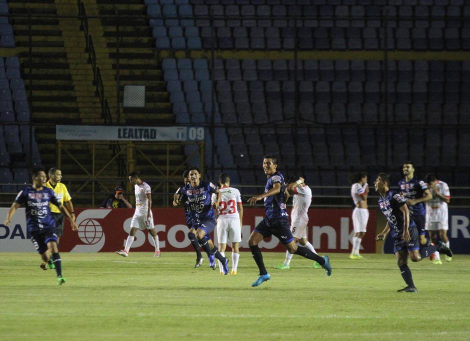 El partido fue dominado por el Real Estelí, aunque no logró anotar. (Foto: Luis Barrios/Soy502)
