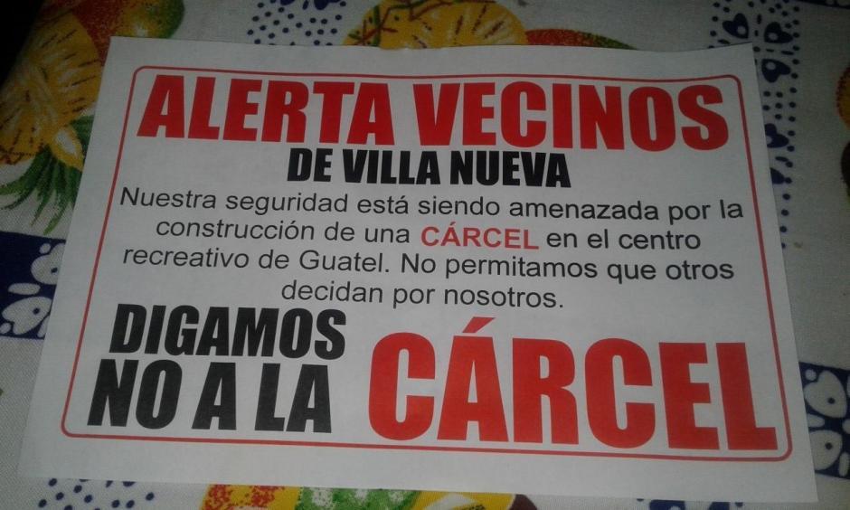 Vecinos de Villa Nueva han recibido estos volantes. (Foto: Facebook/José Orlando De León)