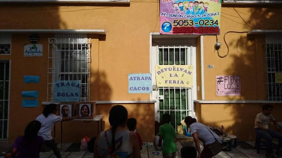 Algunos de los juegos en la feria fueron: lotería, atrapa cacos, traga bolas y boliche. (Foto: La Batucada del Pueblo)