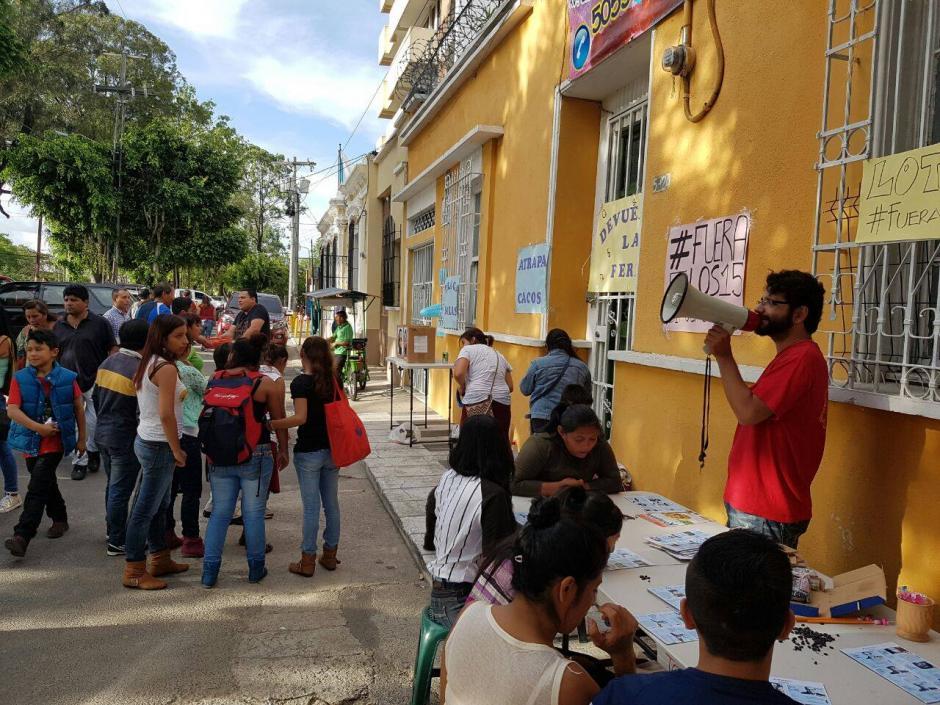 """La actividad """"Devuelvan la feria"""" fue organizada por los integrantes de la Batucada del Pueblo y Justicia Ya. (Foto: La Batucada del Pueblo)"""