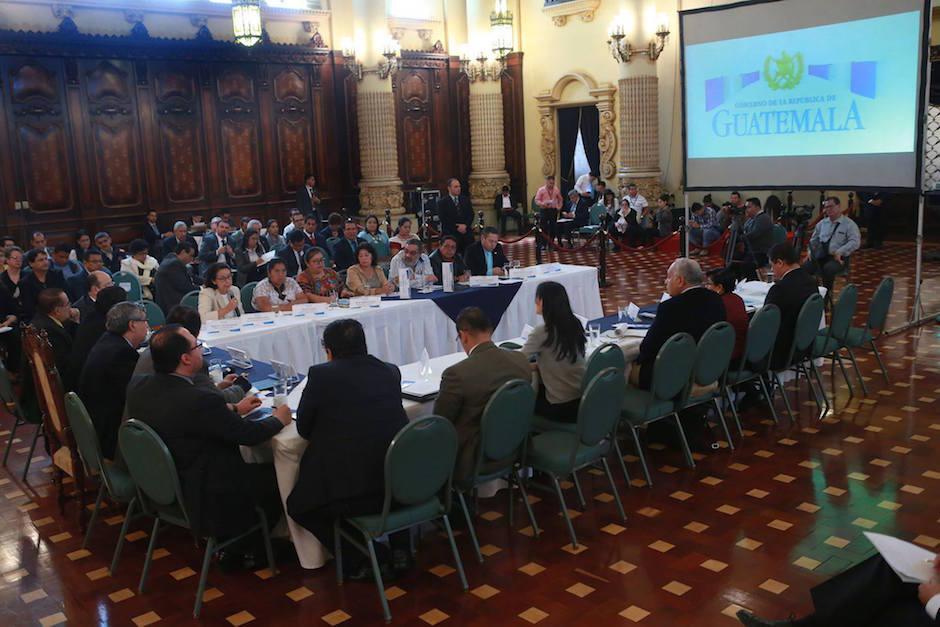 En la reunión estaba presente el vicepresidente Jafeth Cabrera.  (Foto: MSPAS)