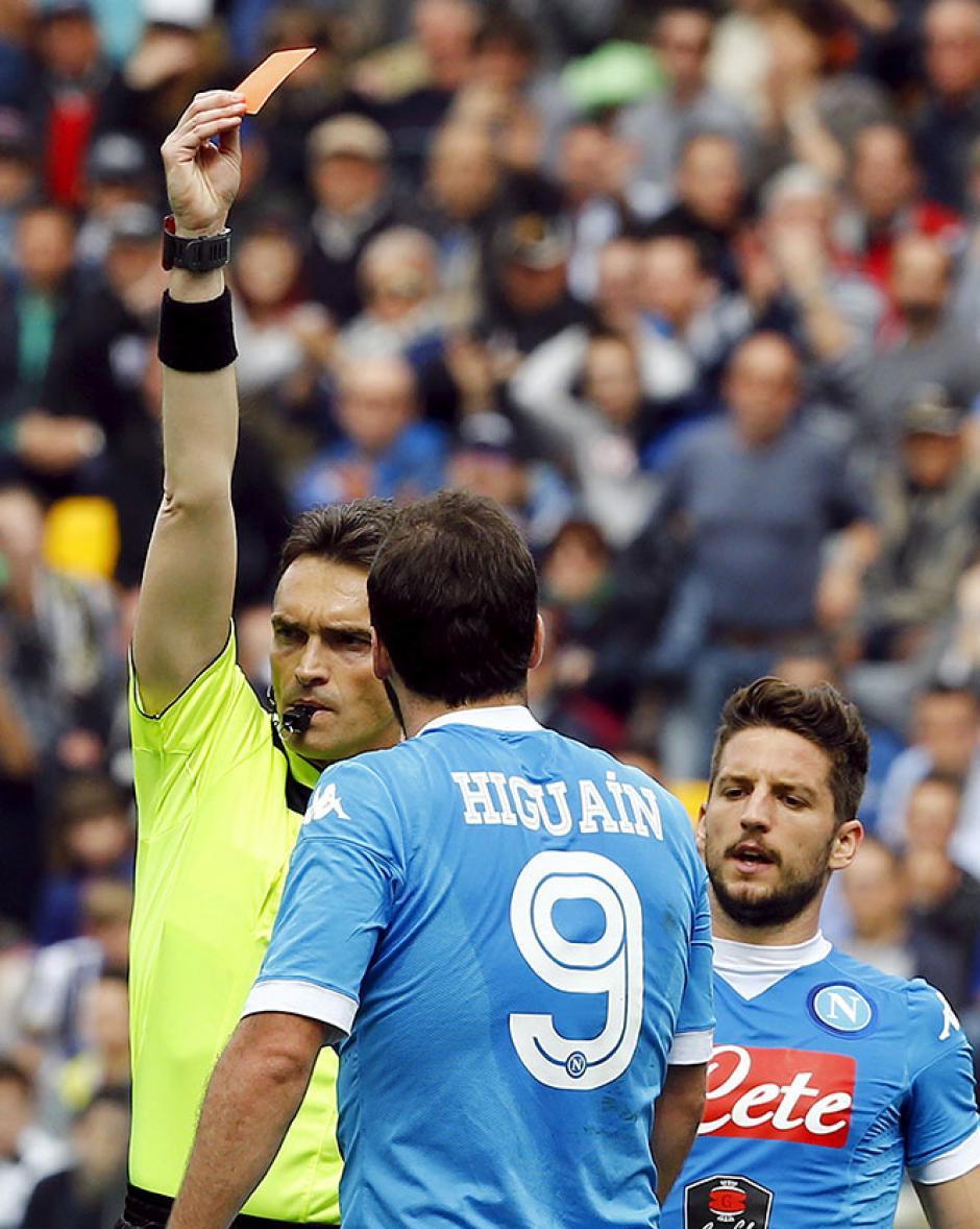 """El momento en el que el árbitro expulsa a """"Pipita"""".  (Foto: Adrenalina)"""
