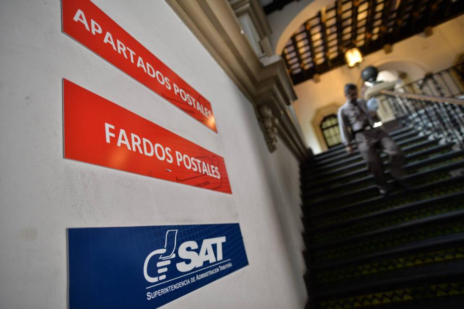 La SAT, El Correo y la Dirección General de Correos y Telégrafos (DGCT) levantaron acta de la reapertura. (Foto: Wilder López/Soy502)