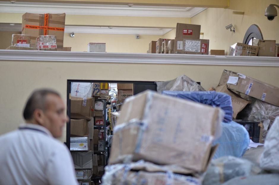 Más de 28 mil paquetes se han acumulado en las plantas de procesamiento. (Foto: Wilder López/Soy502)