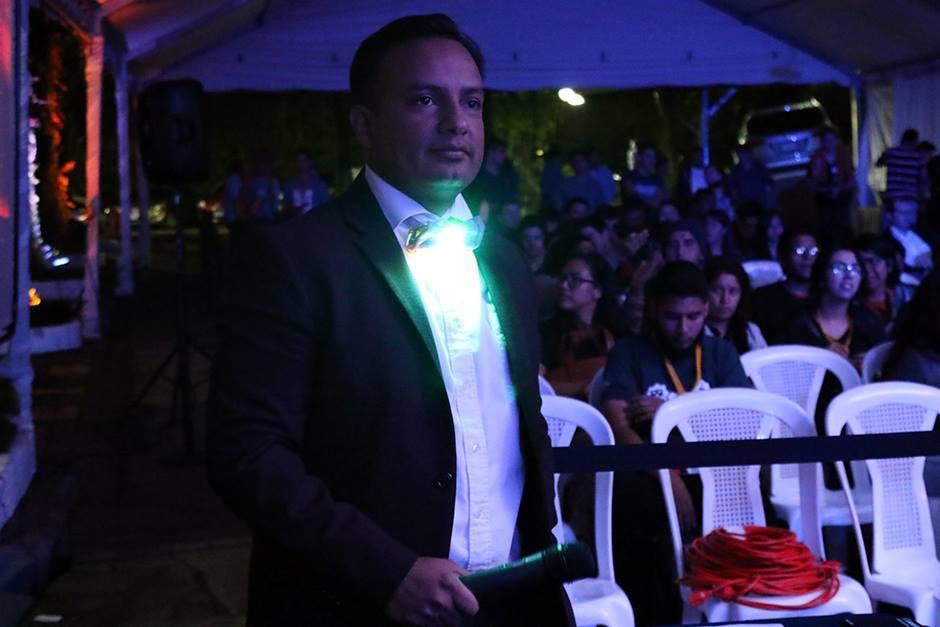 Los corbatines le dieron un toque elegante y fashion a los caballeros. (Foto: Alejandro Balán/Soy502)