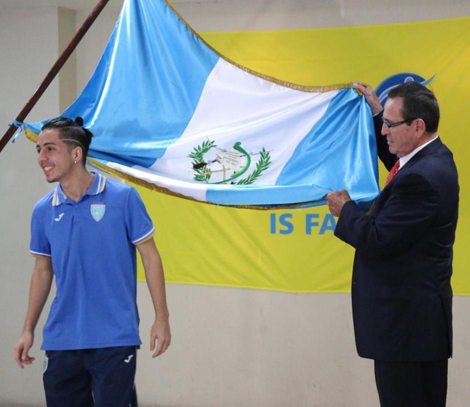 Los jugadores de futsal fueron juramentados en la Fedefutbol. (Foto: FedefutGuate)