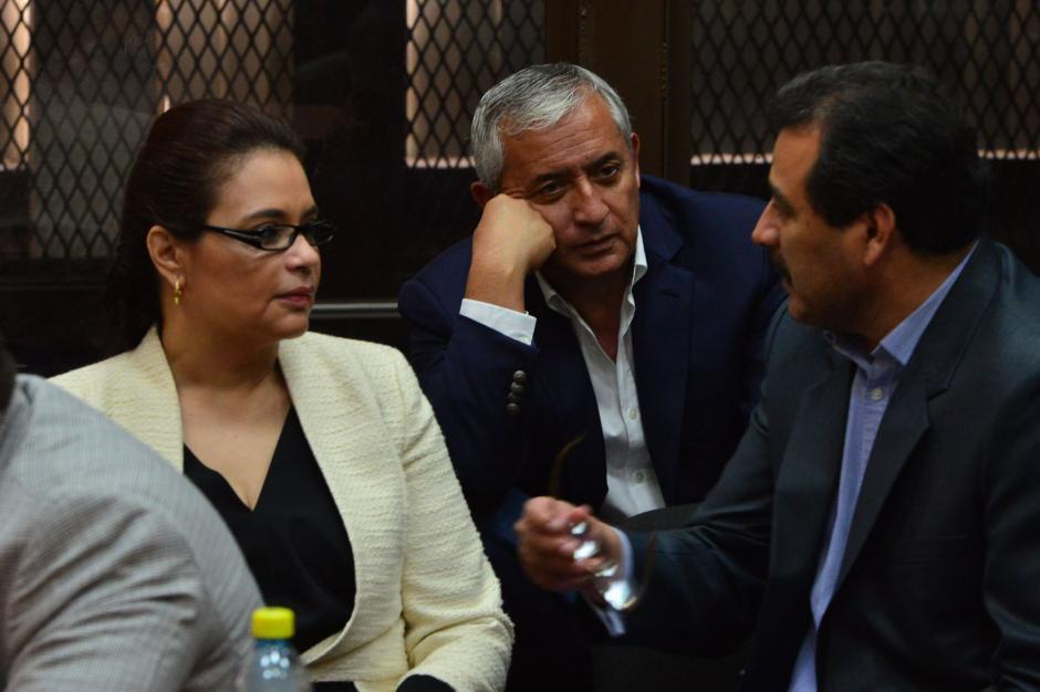 Otto Pérez y Roxana Baldetti permanecen encarcelados, sindicados por el MP de corrupción. (Foto: Archivo/Soy502)
