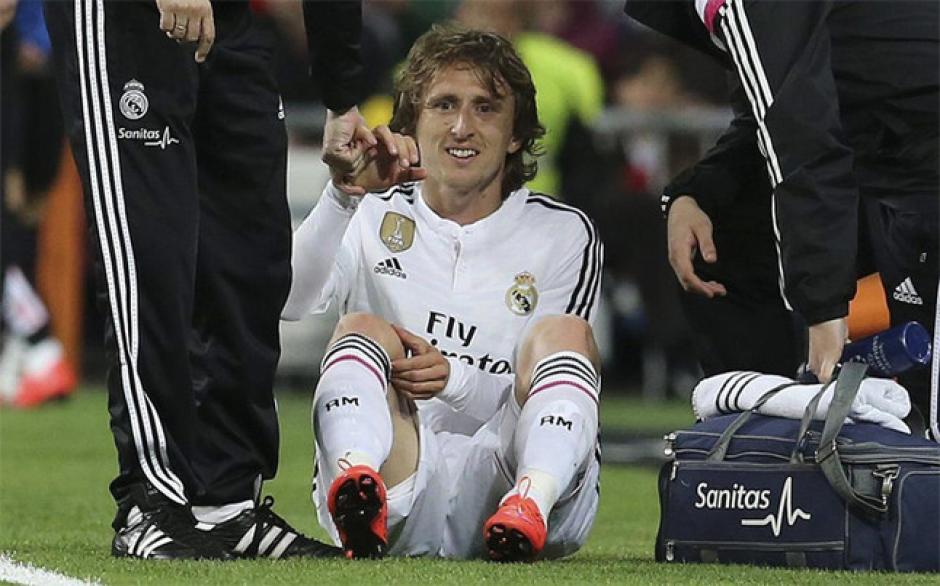 Modric sufrió una dolencia muscular y es baja dos semanas. (Foto: Twitter)