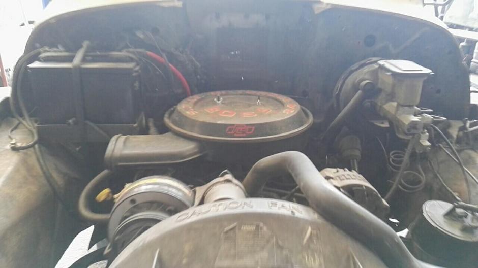 El motor es 350 de 5.7 litros en buenas condiciones. (Foto: Gustavo Méndez/Soy502)