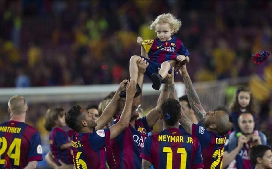 Lucca es toda una celebridad en el camerino del FC Barcelona. (Foto: Twitter)
