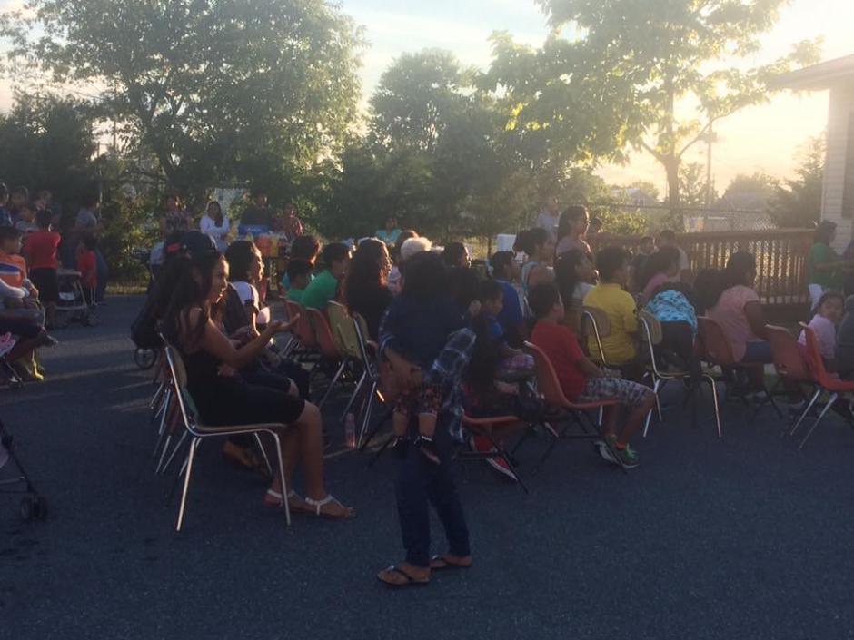 Niños y padres de familia de Guatemala en el festejo del 15 de septiembre en Georgetown, Delaware. (Foto: Diego López)