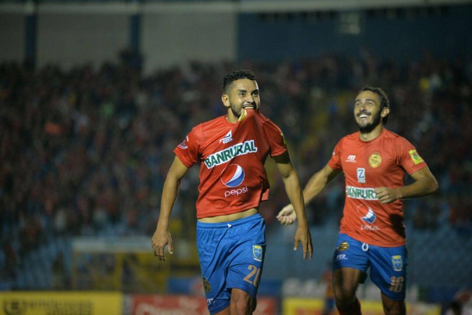 Edi Danilo Guerra puso el 1-0 definitivo para Municipal ante Comunicaciones. (Foto: Wilder López/Soy502)