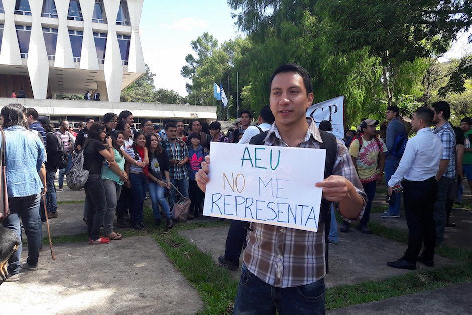 Dicen que las autoridades actuales de la AEU no los representan. (Foto: Javier Lainfiesta/Soy502)