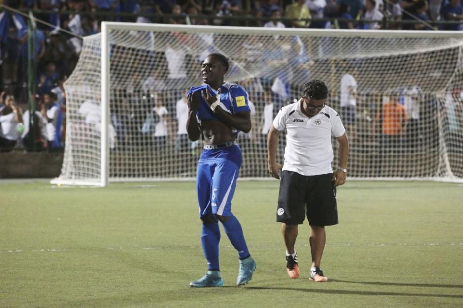 Los jugadores de Nicaragua lloraron la derrota contra Jamaica y la eliminación del camino mundialista.