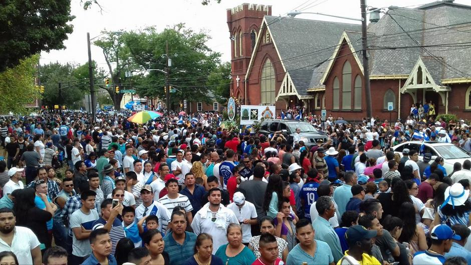 Los guatemaltecos que viven en New Jersey le dieron vida al desfile patrio. (Foto: Cortesía Gerson Miranda)